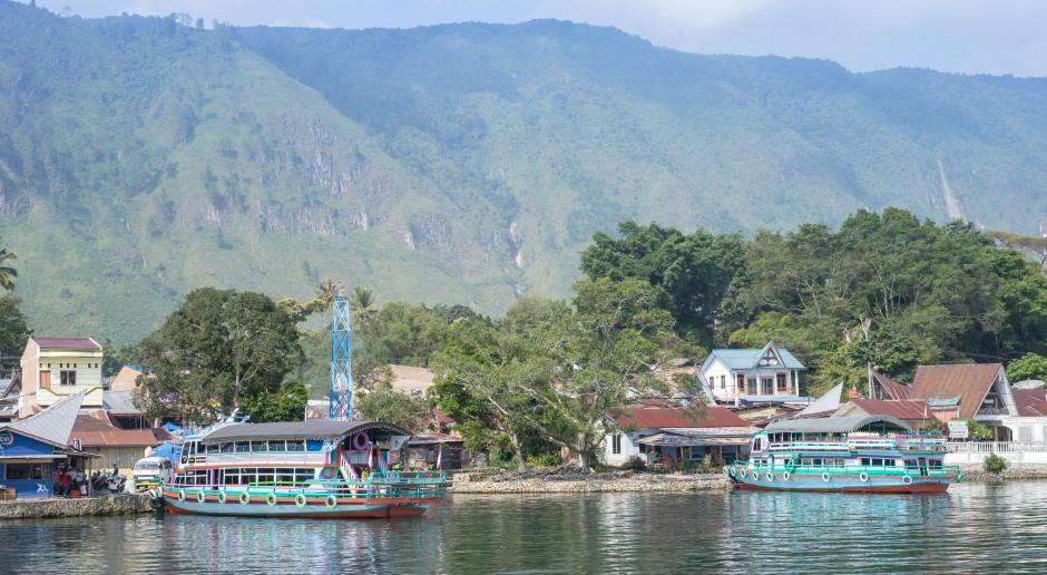 Zatonięcie promu na Sumatrze. Wzrosła liczba zaginionych