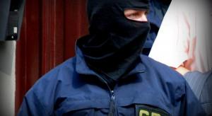 Agenci CBA przeszukali mieszkanie burmistrza w sprawie zakładów chemicznych