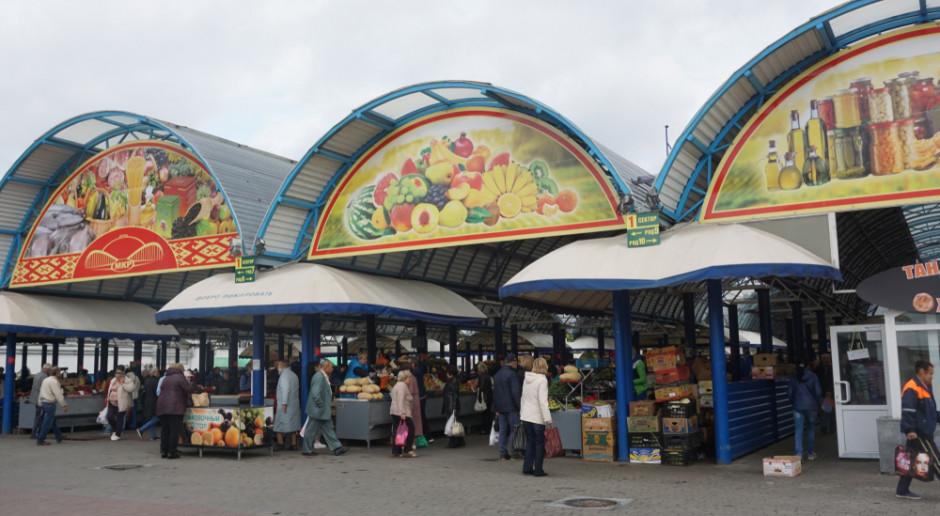 Na Białorusi sieci handlowe wypierają targowiska i bazary