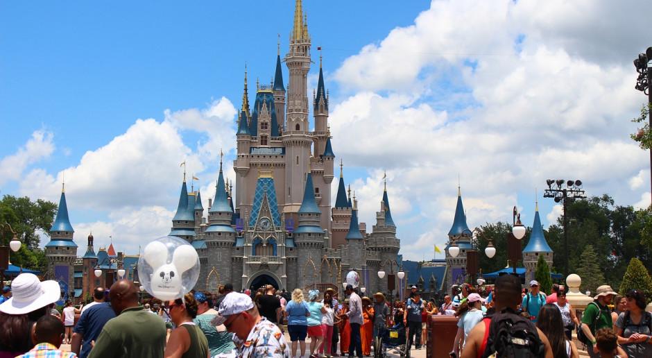Szefowie są zbyt wysoko opłacani, płaćcie lepiej pracownikom – nawołuje wnuczka Disneya