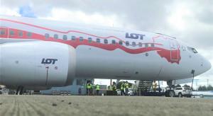 Biało-czerwony dreamliner LOT-u wylądował w Warszawie