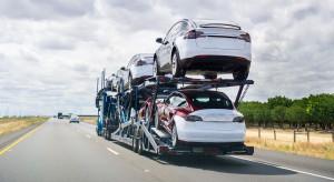Tesla uruchamia fabrykę w Kalifornii i budzi wściekłość Detroit