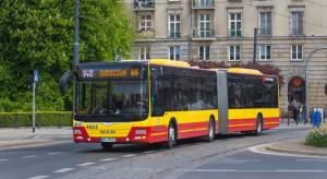"""Koronawirus """"wyczyści"""" autobusy i tramwaje"""