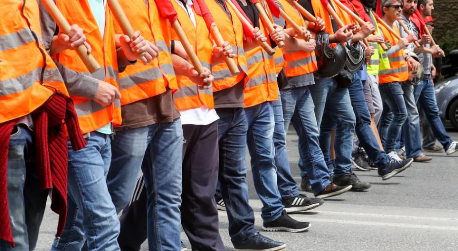 Związkowcy alarmują: inflacja łupi portfele Polaków