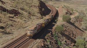 Pociąg autonomiczny dostarczył z sukcesem transport rudy żelaza