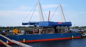 Ważny etap na budowie mostu o największej rozpiętości przęseł zwodzonych w Polsce