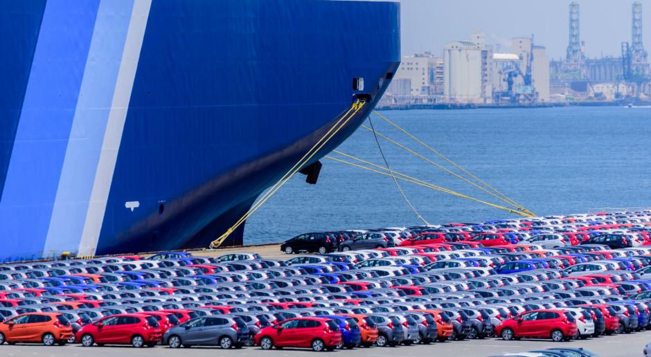 UE czeka na dalsze posunięcia Donalda Trumpa ws. przemysłu samochodowego