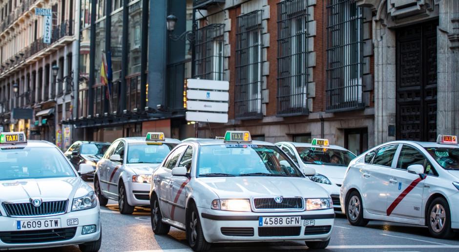 Madryccy taksówkarze podjęli decyzję o zakończeniu strajku