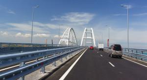 Rosjanie uruchomili transport kolejowy mostem na Krym