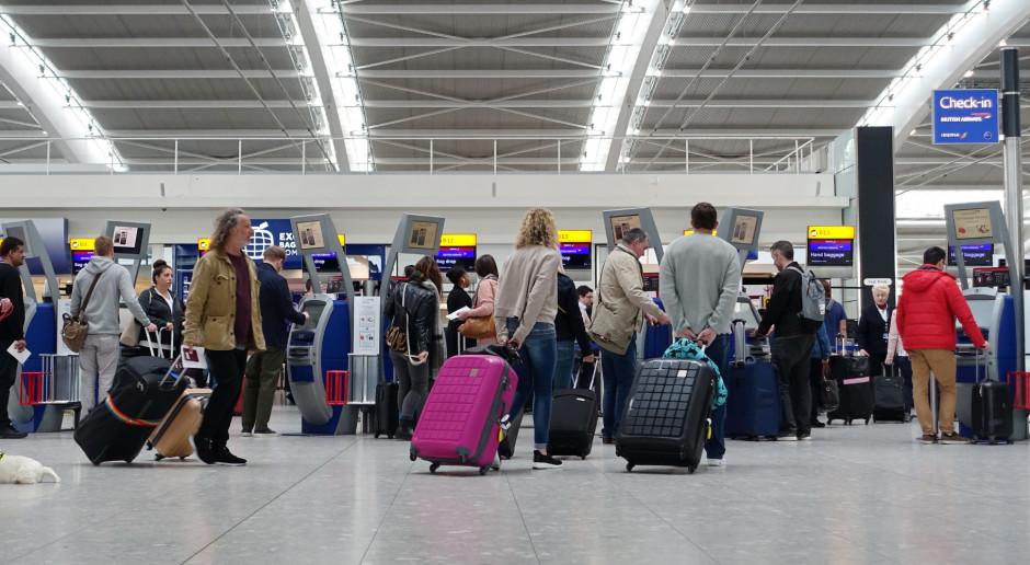 Trzy bomby wysłano na brytyjskie lotniska i dworzec kolejowy