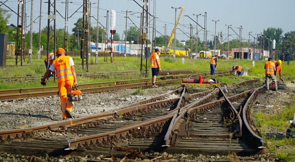 Mateusz Morawiecki: 8 mld zł na inwestycje kolejowe w śląskim
