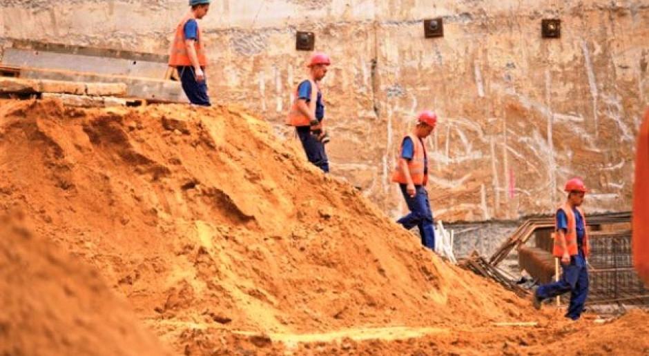 O pracowników w budownictwie będzie coraz trudniej