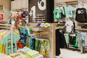 Sprzedawca odzieży notuje stratę i niższe przychody