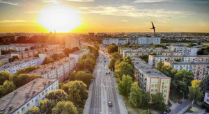"""Awansowali do """"10"""" największych miast w Polsce. Co przyciąga nowych mieszkańców?"""