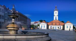 Białystok: Trwa przebudowa alei Myrchów