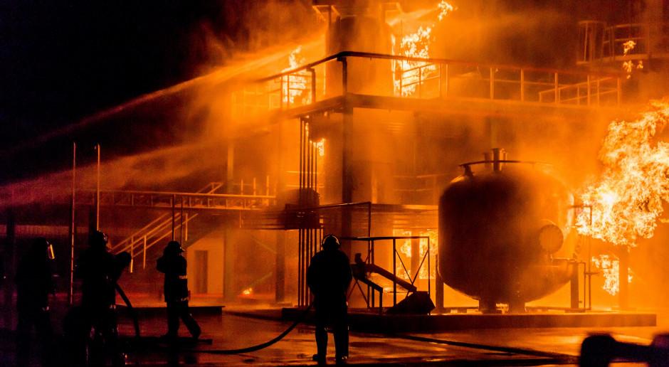 Wielki pożar w rafinerii Total w pobliżu Hawru