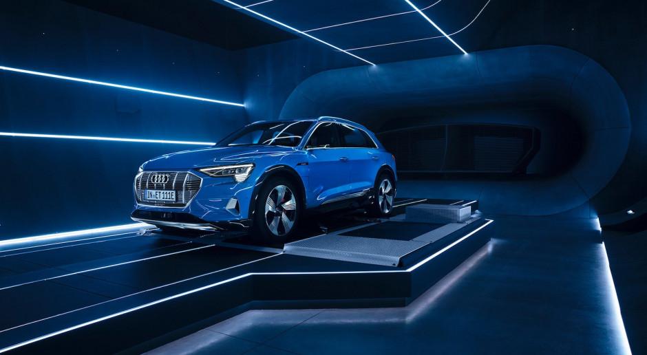 Potencjalni klienci Audi czekają siedem lat od premiery eV na zakup