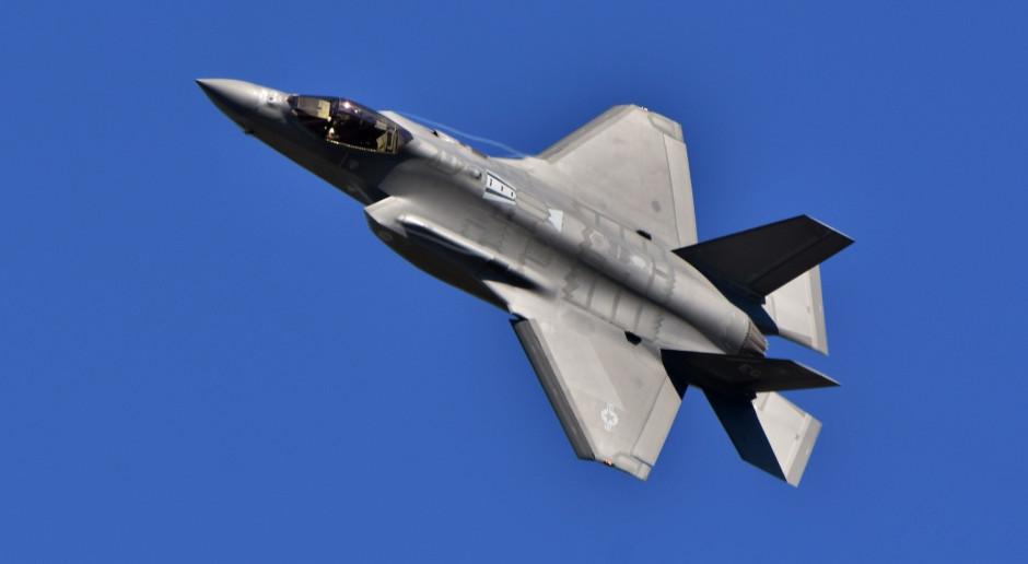 Myśliwce F-35 dotarły już do Polski. Błaszczak: ciężko nad tym pracujemy
