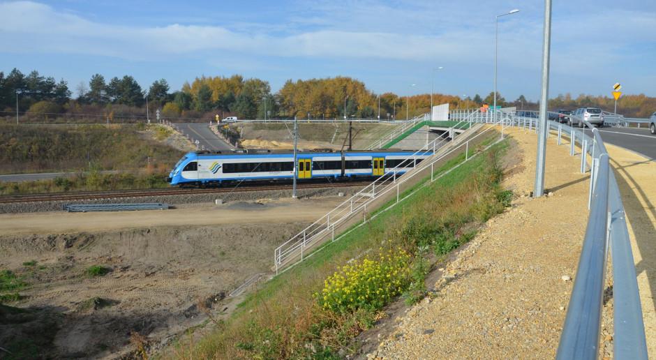 Linia kolejowa E30 zyskała nowy wiadukt nad torami w Jaworznie