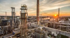 Coraz mniej ropy z Rosji; rośnie import z innych kierunków