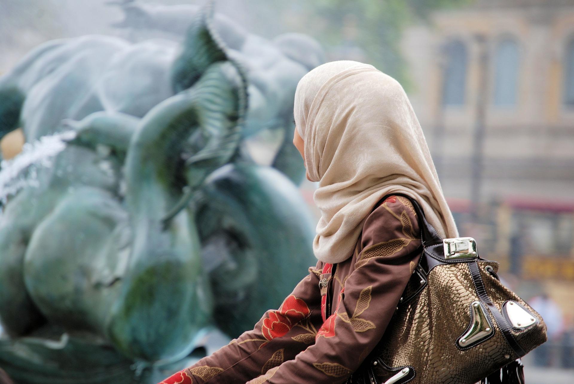 Wraz ze wzrostem zamożności klasy średniej muzułmanie odkrywają turystykę w Europie i Afryce (Fot. Shutterstock)