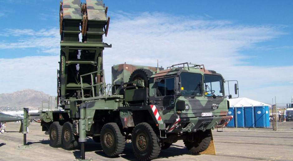 """Kłopot z rakietami do Patriotów. Co to znaczy """"niskokosztowy""""?"""