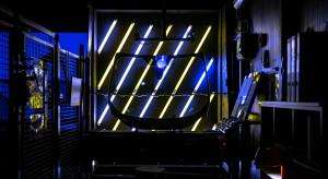 Państwo wsparło projekt szyby samochodowej produkującej prąd ze słońca
