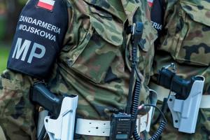 Łapówki za misję w Kosowie - 10 żołnierzy zatrzymanych za korupcję