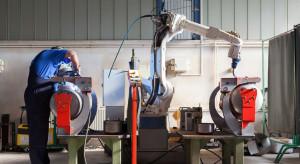 Robotów w pracy będzie coraz to więcej. Rynek to wymusi