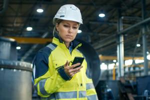 Polski przemysł potrzebuje kobiet. Pomoże specjalny program