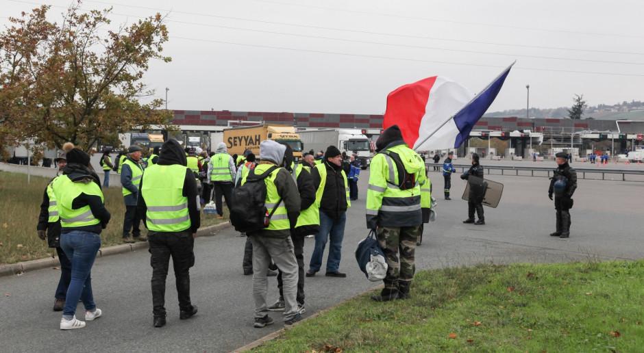 Francja: MSW: 67 policjantów rannych podczas sobotnich zamieszek; prawie 100 osób zatrzymano