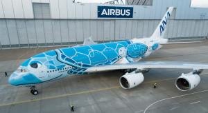 Pierwszy z niechcianych Airbusów jest już gotowy. Zdobią go żółwie