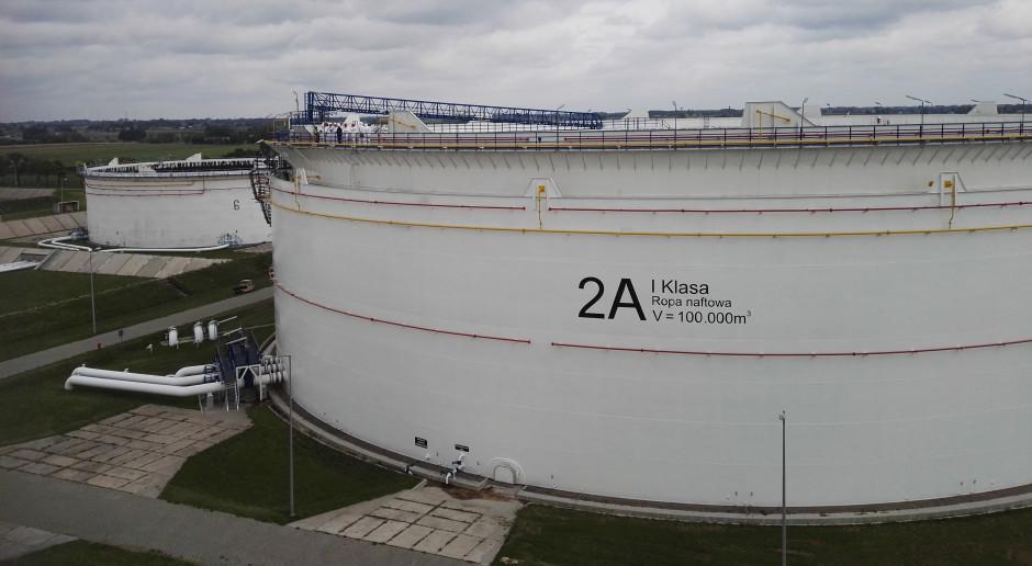 """Kiedy """"czysta ropa"""" w polskich rurach? Wciąż nie wiadomo"""