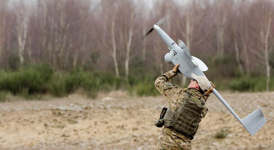 WB błyskawicznie zrealizowało dostawę dronów FlyEye dla wojska