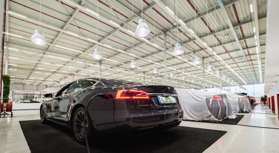 Tesla zalega w amerykańskich magazynach, a ulga na zakup coraz mniejsza