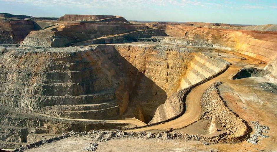 Bez gigantycznych nakładów światowa produkcja złota runie