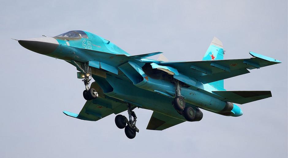 Uratowano dwóch pilotów rosyjskich myśliwców, które zderzyły się w powietrzu