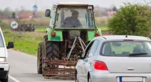 Rolnicy wyszli na drogi; są utrudnienia w ruchu