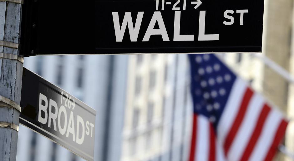 Na Wall Street kosmetyczne zmiany. W centrum dane makro