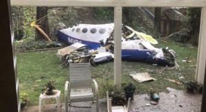 Fragmenty samolotu spadły na dom. Są ofiary śmiertelne