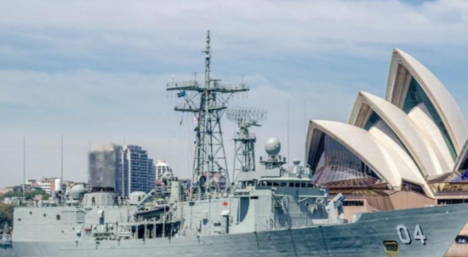 Fregata typu Adelaide, fot. Wikimedia Commons