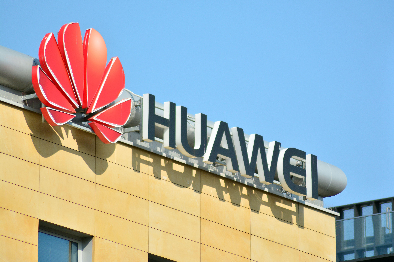 Huawei zapowiedziała 6 lutego zainwestowanie w Polsce w ciągu trzech lat 3 mld PLN. Fot. shutterstock