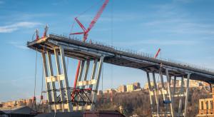 Premier Włoch rozpoczął rozbiórkę autostradowego mostu