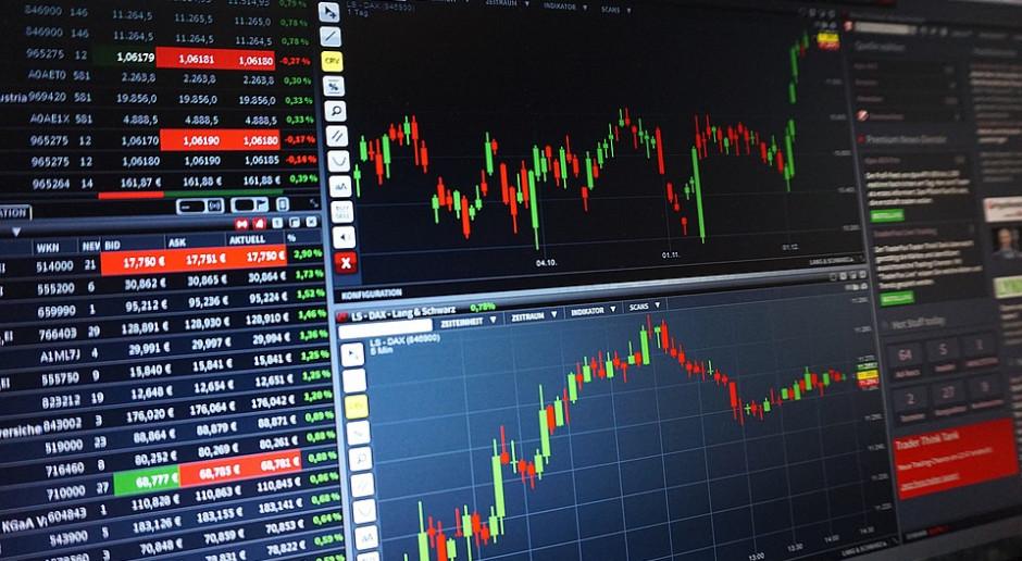 Inwestorzy w oczekiwaniu na minutes Fed i odczyty PMI