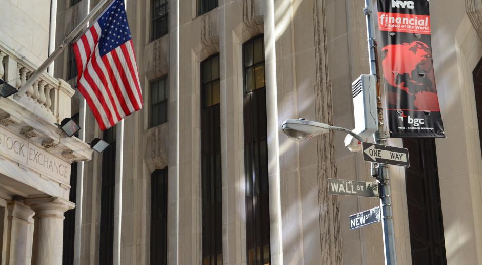 Lekkie spadki na Wall Street