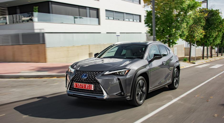 Lexus chwali się rekordem. Jaki udział mają w tym hybrydy?
