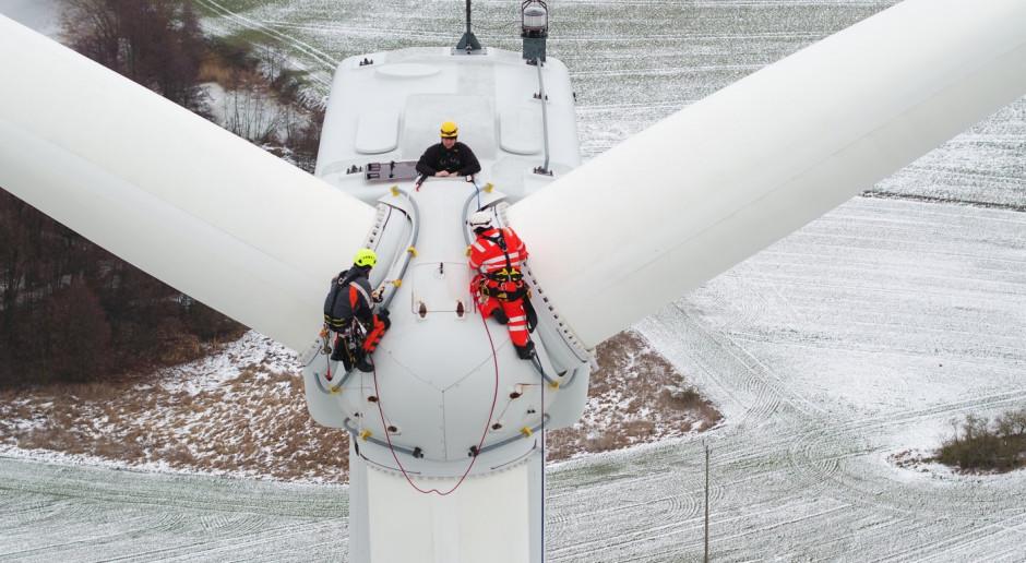 Platforma serwisowa ułatwi naprawę śmigieł wiatraków PGE Energia Odnawialna
