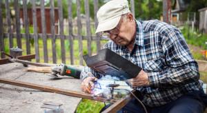 Połowie Polaków emerytura kojarzy się z odpoczynkiem, jednej trzeciej - z problemami