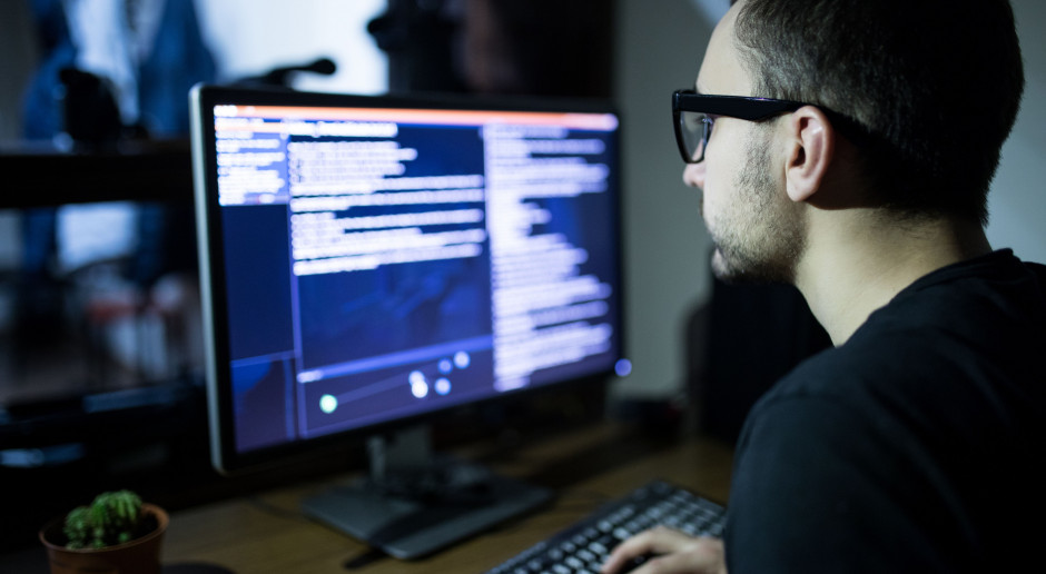 Programiści awansują coraz szybciej. Liczy się dokształcanie
