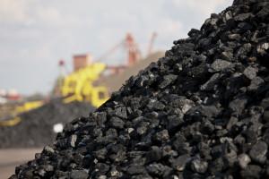 Węgiel bardzo drogi i go brakuje. Klienci są wściekli, na składach słychać bluzgi